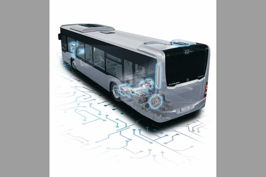 Mercedes-Benz Citaro hybrid, OM 936 h mit 220 kW (299 PS), 7,7 L Hubraum, Elektro-Motor mit 14 kW, 6-Gang-Automatikgetriebe, LED-Scheinwerfer, Länge/Breite/Höhe: 12.135/2.550/3.120 mm, Beförderungskapazität: max. 1/96 // Mercedes-Benz Citaro hybrid, OM 936 h rated at 220 kW/299 hp, displacement 7.7 l, electric motor rated at 14 kW, 6-speed automatic transmission, LED headlamps, length/width/height: 12135/2550/3120 mm, passenger capacity: max. 1/96.