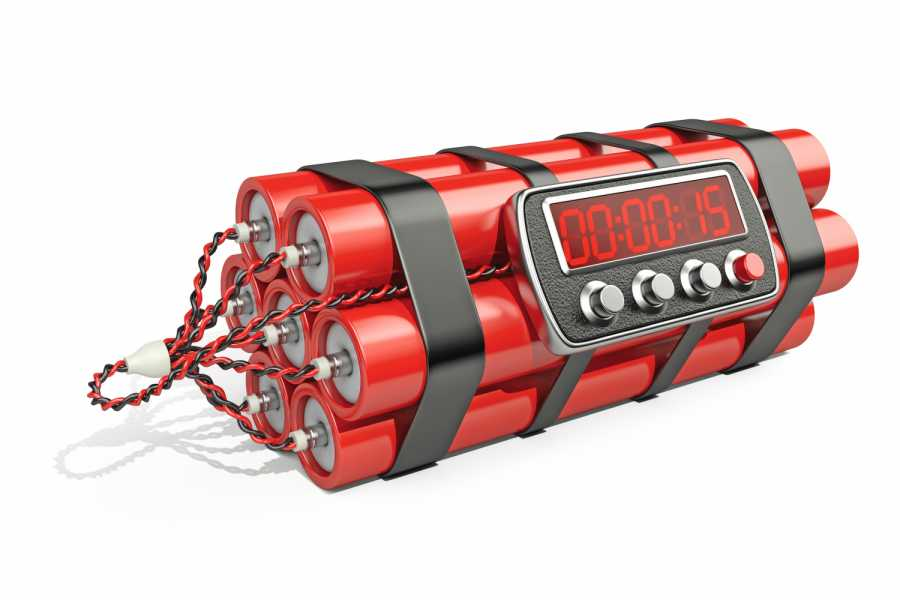 Bomb with digital clock timer 3D illustration Isolated on white Bild: AdobeStock/Oleksandr